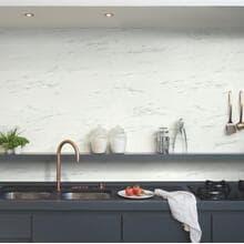 Кварц-виниловая плитка QuickStep Итальянский мрамор Ambient Glue Plus AMGP40136